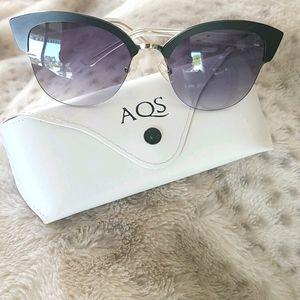 NWOT..AQS Sunglasses 🕶